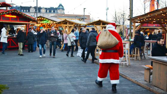 Zurich Switzerland-Christmas Markets travel wtih mia