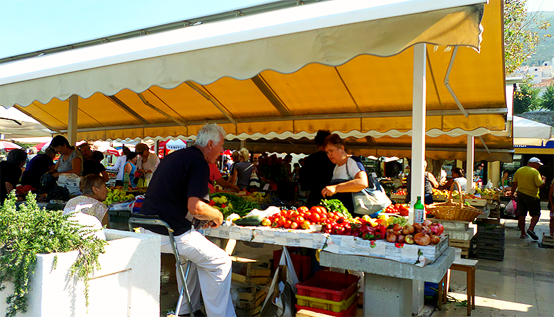 Dubrovnik in 3 Days - Travel with Mia - Gundulic Square - Farmer's Market