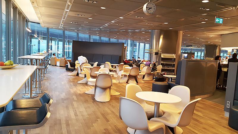 Lufthansa Business Class Lounge Frankfurt - Travel with Mia - Dining Room