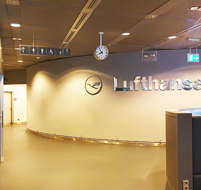 Lufthansa Business Class Lounge Frankfurt - Travel with Mia - Sign