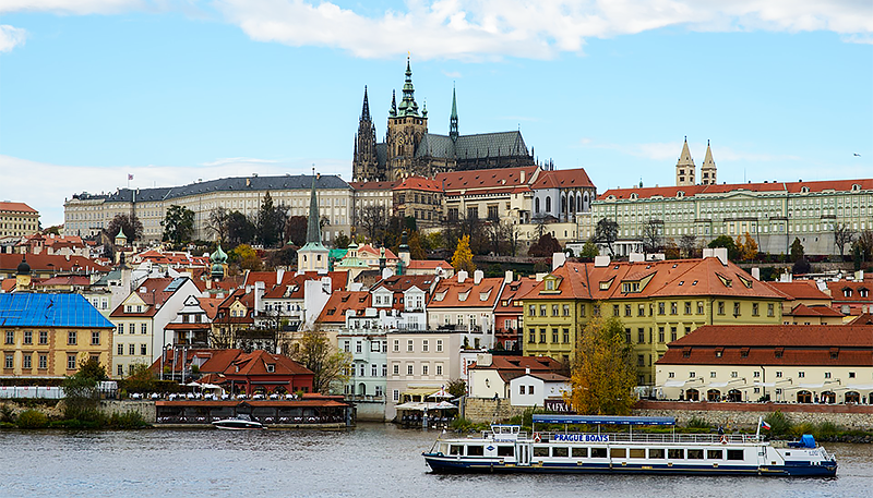 Prague in 2 Days - Travel with Mia - Prague Castle