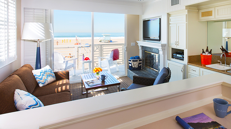 Beach House Hermosa Beach - Living Room - Beachlife Festival - Travel with Mia